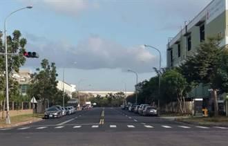 岡山本洲園區道路不平 立委邱志偉爭取上億經費