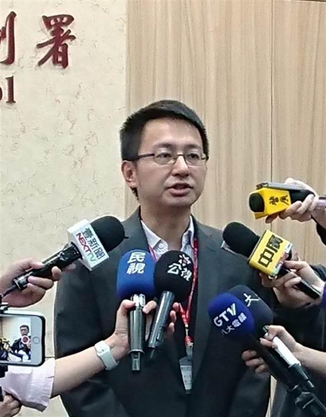 疾管署副署長羅一鈞表示,上周水痘疫情創5年同期新高。(陳志祥攝)