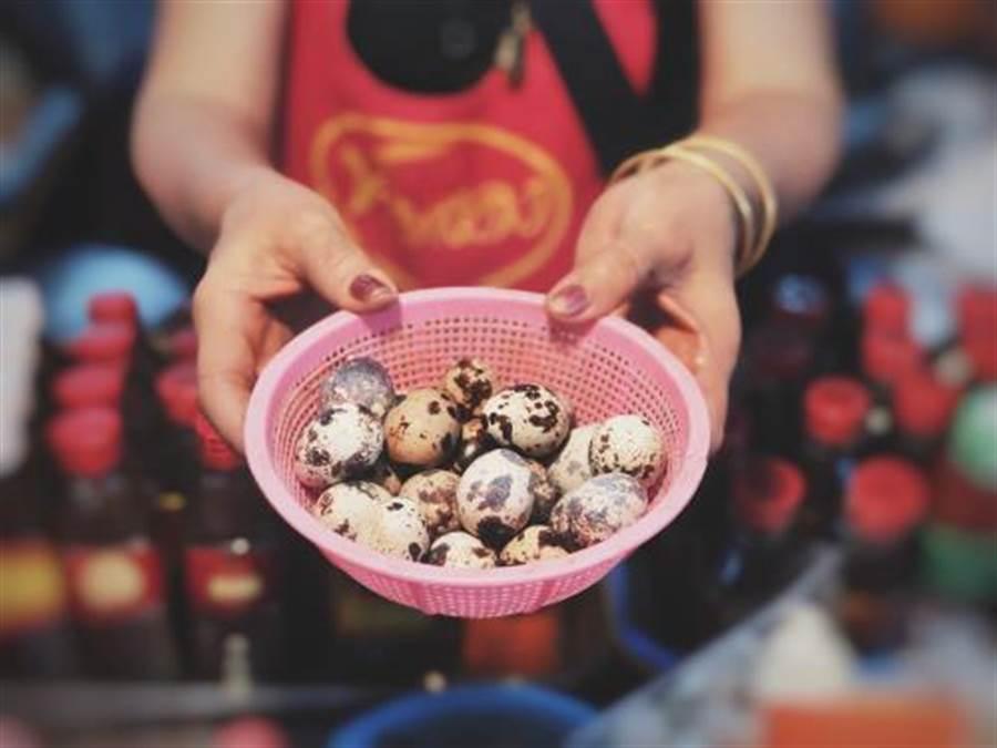 台灣人年吃5億顆 夜市鳥蛋從哪來?(圖片取自/達志影像)