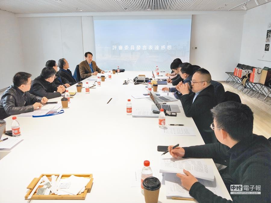 由《旺報》、鳳凰網主辦的第九屆兩岸徵文獎,18日在北京由兩岸專家評選出得獎作品。(記者陳君碩攝)