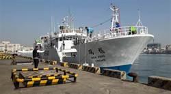 影》遠洋漁船海上喋血 1死20多人跳海 漁業署官員生死不明