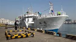 影》穩鵬號喋血案 救4名落海船員 船長等3人反鎖船艙待救