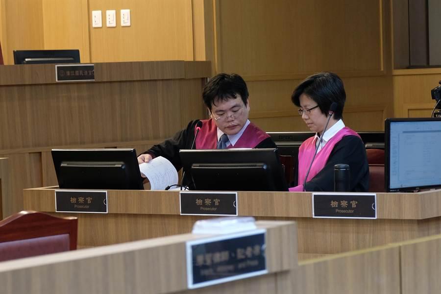 新竹地方法院國民參與刑事審判模擬法庭,檢方認被告是故意殺人。(羅浚濱攝)