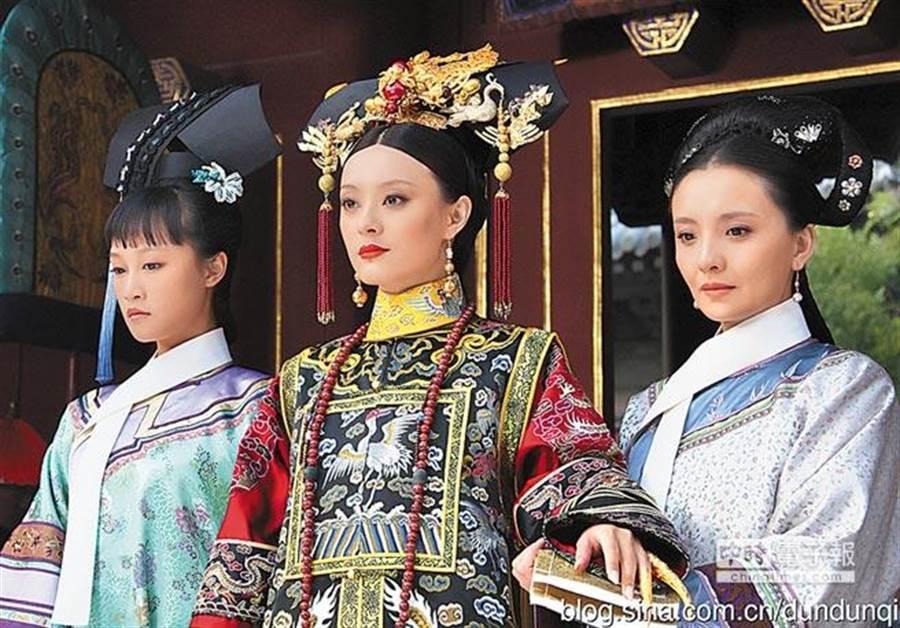 清朝嬪妃獲皇上寵幸 為何次日走路需宮女攙扶?(圖/本報資料照)