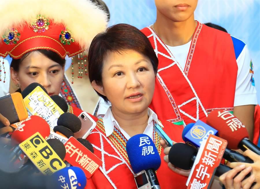 台中市長盧秀燕22日表示,東亞青運如果要恢復,程序困難度會辛苦很多,「我們仍然不放棄還在努力當中」。(盧金足攝)