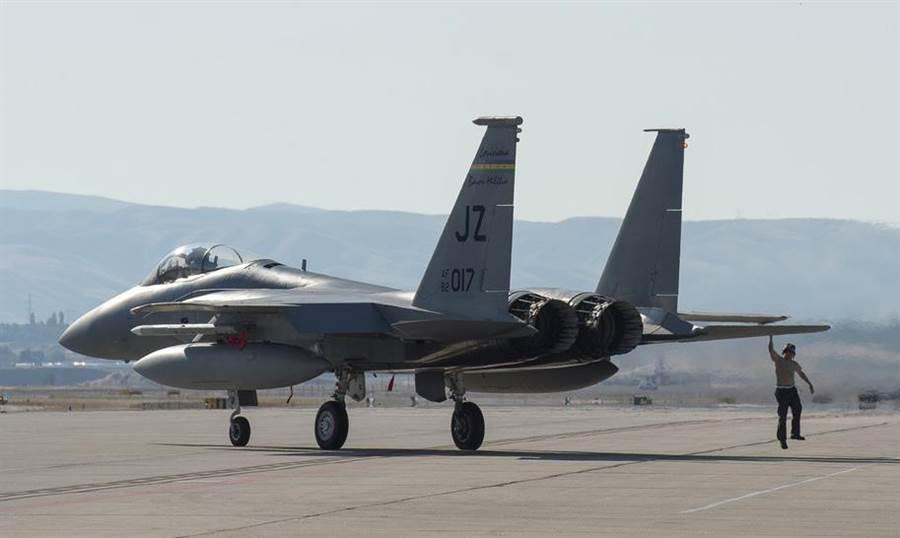 一架美國F-15C戰機的資料照。(美國空軍國民兵)