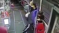 15歲少女電車遭癡漢硬上 網轟乘客無人出手救