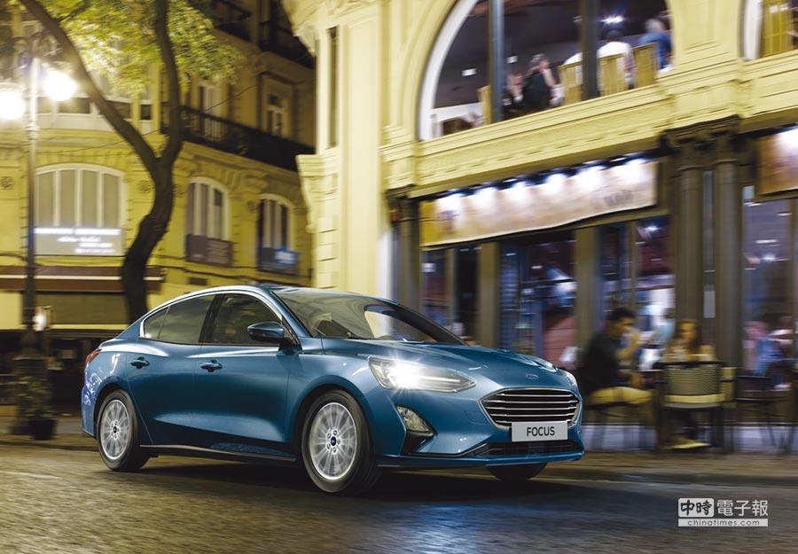 福特六和汽車為行銷新改款Focus,宣布進駐美式量販通路好市多賣車,並提供好市多獨家販售車型與獨家優惠搶客。圖/業者提供