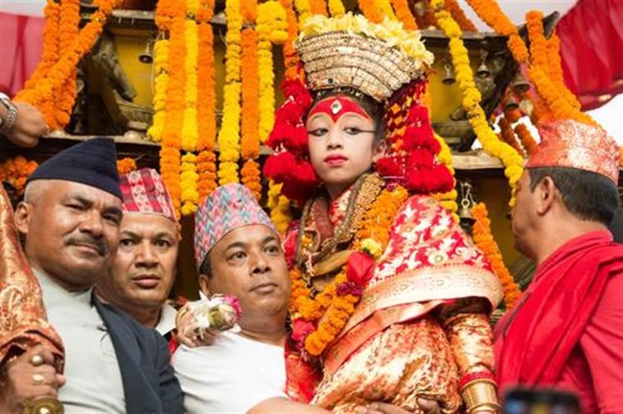 尼泊爾崇拜活女神 退位後下場超淒涼(圖片取自/達志影像)
