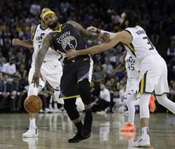 NBA》勇士五星戰隊該分拆?科爾不同意
