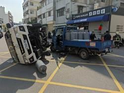 小貨車與救護車相撞 5人哀嚎送醫