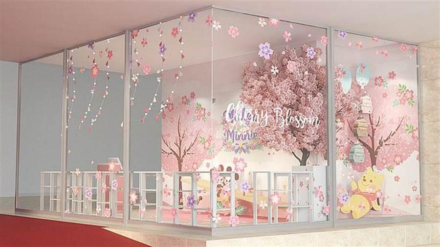 新光三越台北南西店_米奇米妮櫻花樹蹺蹺板拍照區。(台灣華特迪士尼提供)