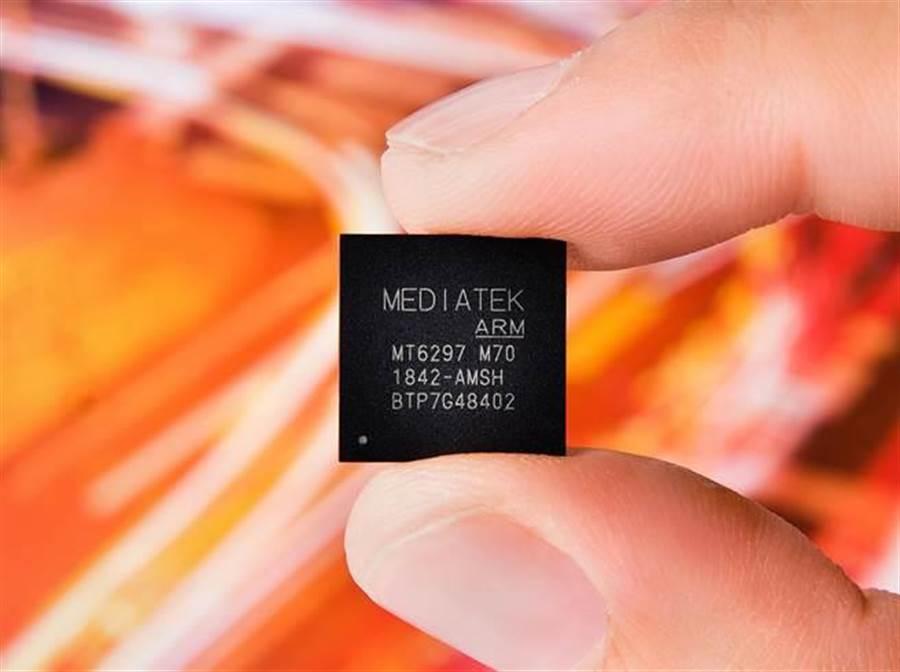 聯發科Helio M70數據機晶片可支援2G至5G各代蜂巢式網路的多種模式。(圖/業者提供)