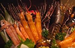 【玩fun飯】舌尖上奔馳的極致饗宴!一片千元日本飛驒牛海鮮鍋
