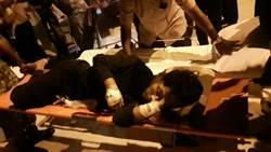 跨國合作友船無私奉獻 「穩鵬號」2重傷船員上岸就醫