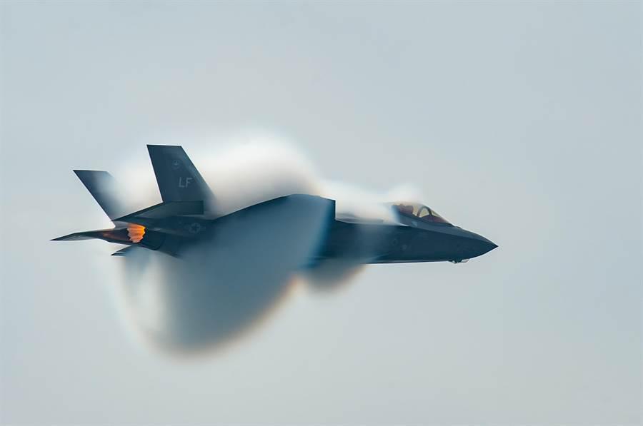 美國開發F-35戰機進行導彈防禦功能已有較明確構想。(圖/美國空軍)