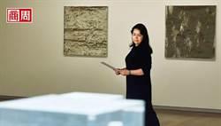 挖掘天王藝術家的鷹眼 她連看不見的素描都能賣