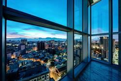 高雄最貴酒店最貴套房首度公開 住一晚要價396000元