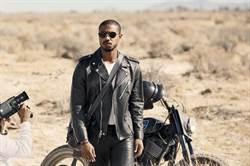 奧斯卡得主操刀 麥可·B·喬丹為Coach短片飆重機翻越沙地