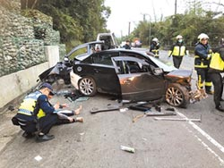 疑車速過快 小客車自撞1死3傷