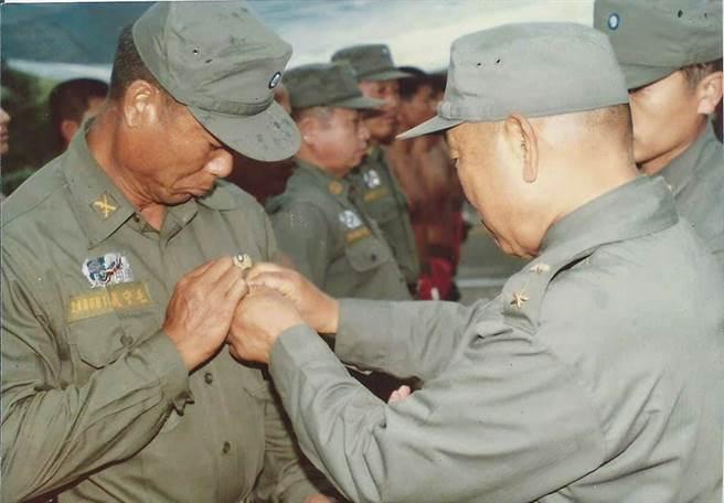 軍中傳奇「馬祖海龍王」 士官破例升軍官