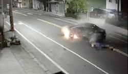 疑車速快自撞花台 男噴飛爆頭亡
