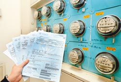 電價需漲6% 台電盼3+3調足