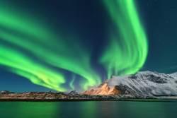 冰島旅遊意外拍到「巨龍」極光 連NASA也好震驚