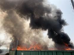 彰化芬園垃圾集中場悶燒四小時 濃煙漫天