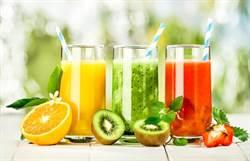 果汁超不健康 跟可樂是一樣垃圾食物?