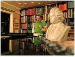 解密貝多芬/布赫賓德收集38套奏鳴曲版本