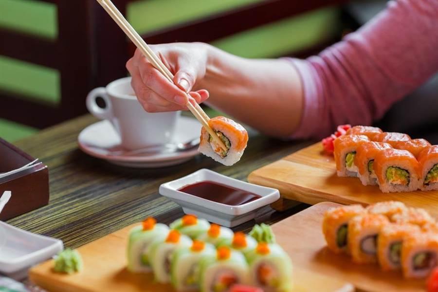 日本2018再度蟬聯最長壽國家,其秘訣10個有9個跟吃有關。(達志影像/shutterstock)