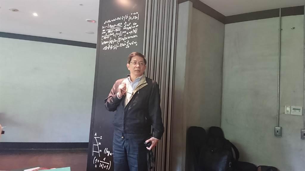 台大校長管中閔今日首度向媒體分享治校情況。(李侑珊攝)