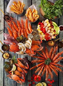 新北超低價!餐廳祭「手抓海鮮」吃到飽,每人最低799元起