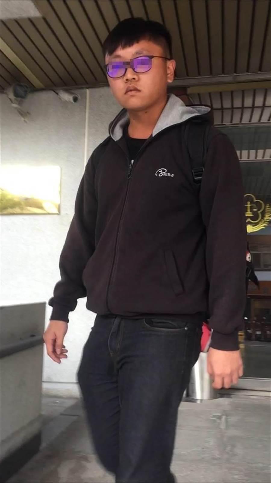 前空軍邵姓一兵在台北轉運站內偷拍女子如廁遭法院判處拘役50日。(報系資料照)