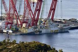 沉沒3個月的挪威神盾艦打撈成功