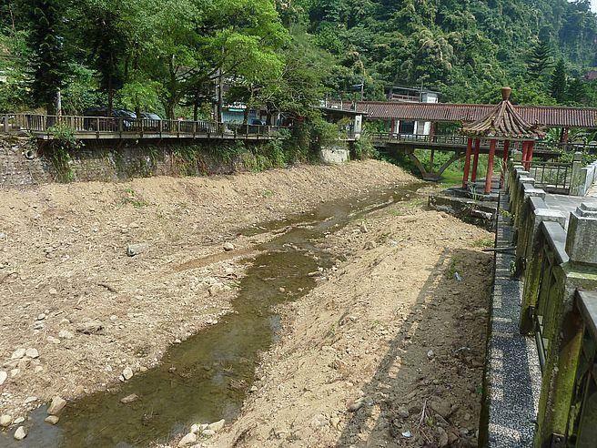 之前河川土石淤積貌。(新北市農業局提供)
