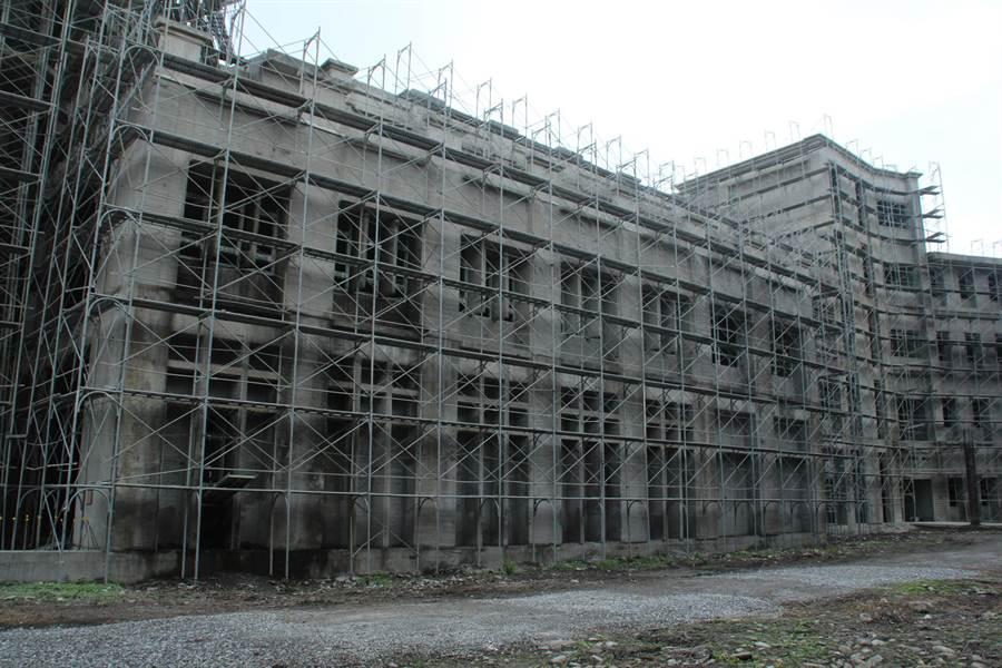 國立東華大學藝術學院工程已完成主體結構,今天開工後預計明年中完工。(張祈攝)