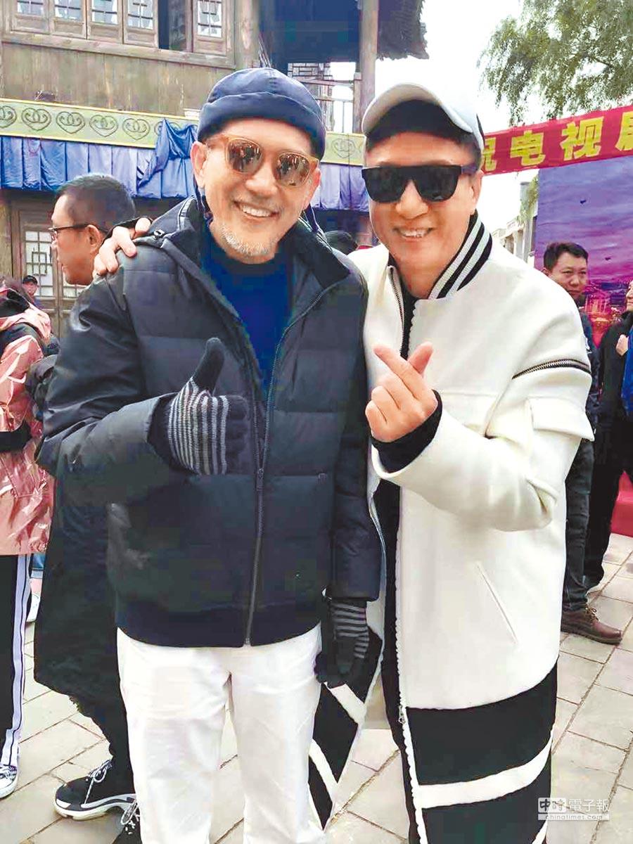 秦漢(左)過兩天又將到大陸與孫紅雷合拍電視劇《新世界》。