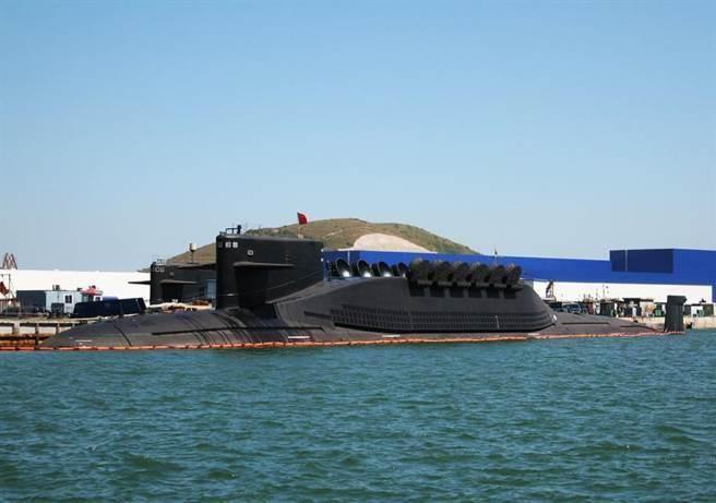 中共海軍094A戰略核潛艦可發射攻擊美國本土的洲際導彈,讓美國倍感威脅。(圖/新華網)
