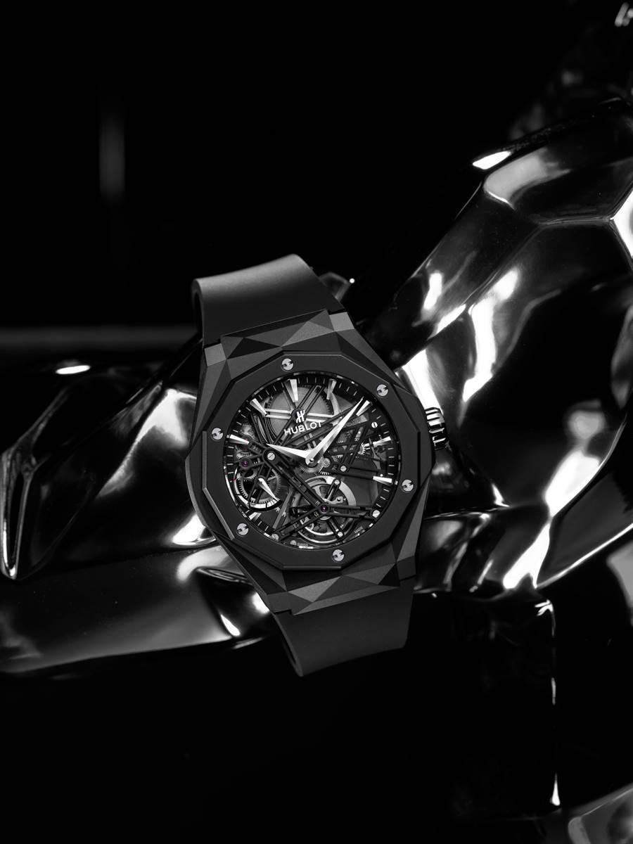 經典融合系列ORLINSKI黑陶瓷陀飛輪五日鍊腕錶(圖/品牌提供)