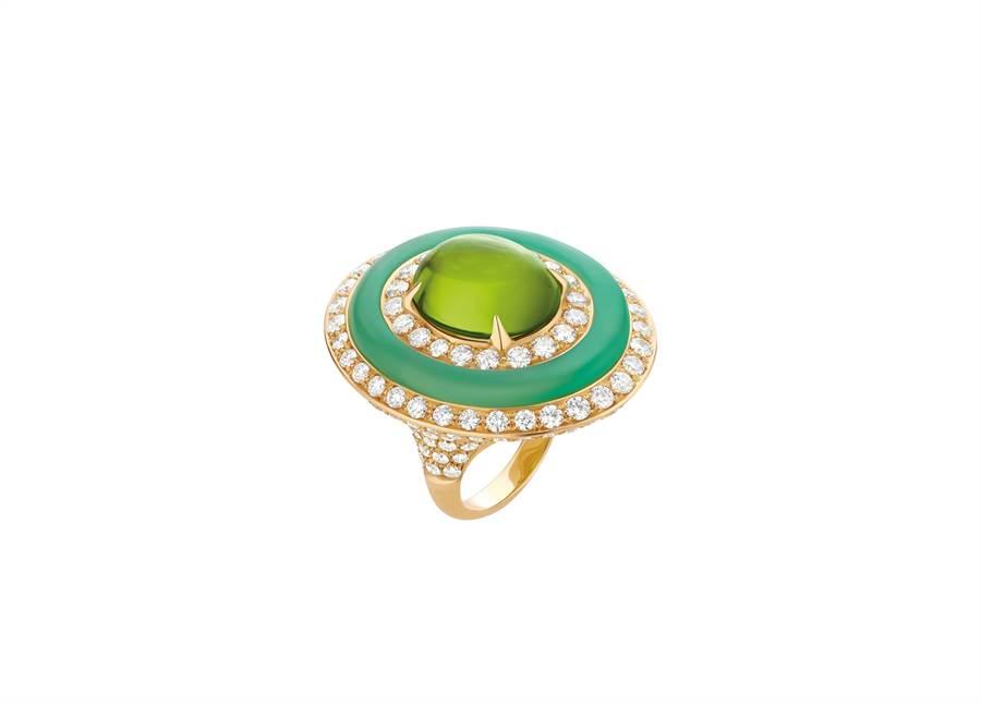 寶格麗Wild Pop POP 80's系列橄欖石、綠玉髓與鑽石戒指。(BVLGARI提供)