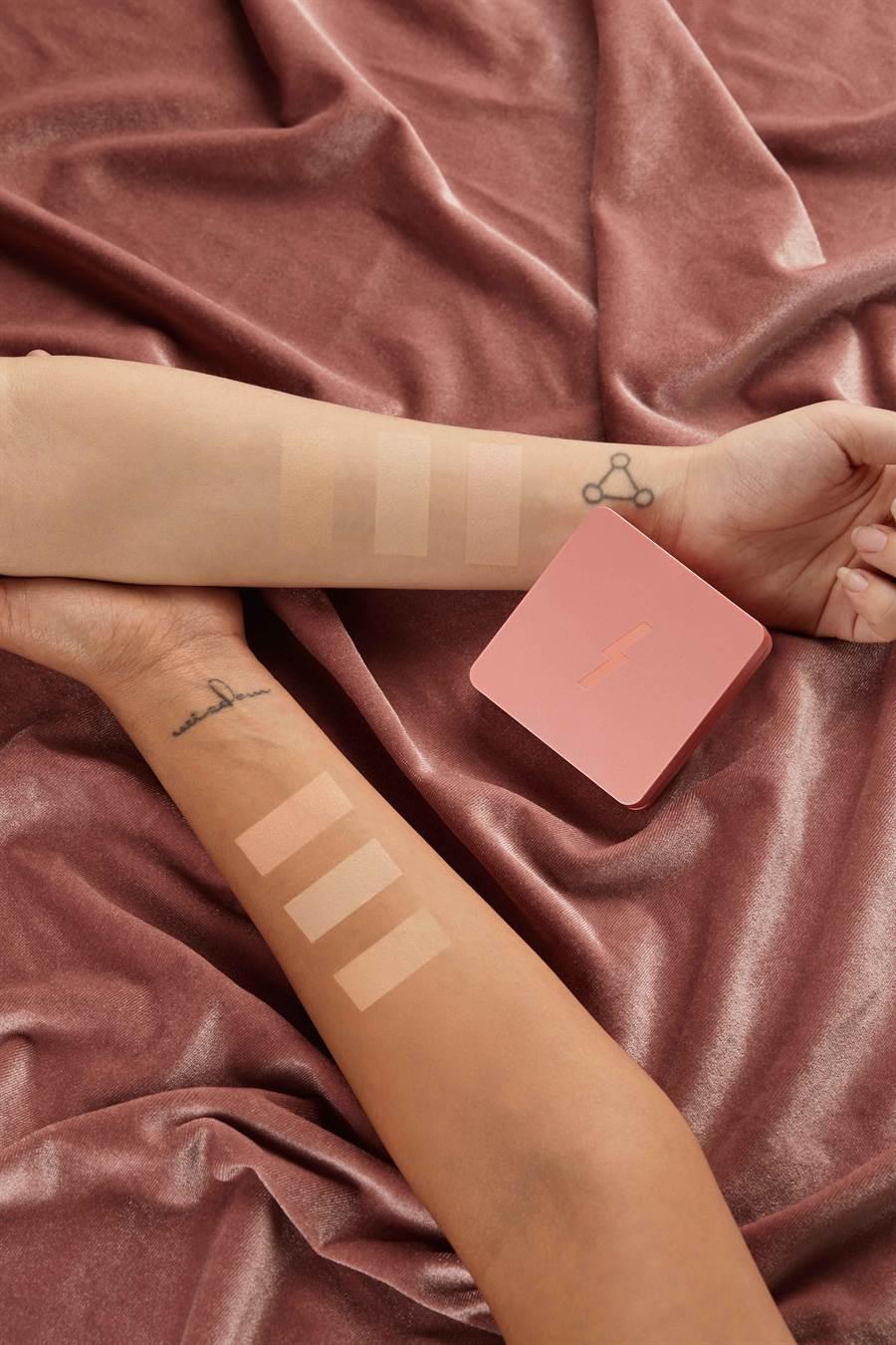 PONY EFFECT持久無瑕氣墊粉餅-粉紅梨花限定版刷色。(圖/品牌提供)