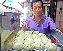 陳家手工饅頭包子店 鮮肉包分量足且肉汁飽滿