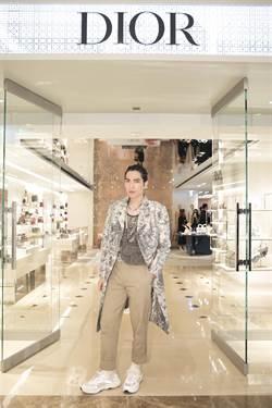 蕭敬騰不怕挑戰透視裝:沒穿都可以!