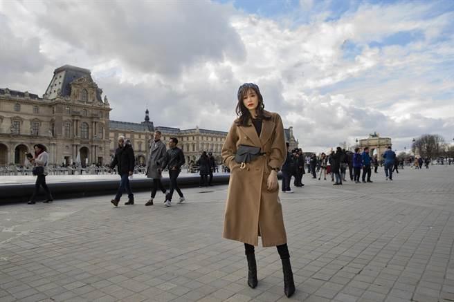 王心凌大讚巴黎街道太美。(天晴音樂提供)