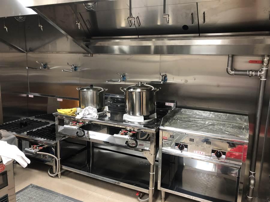 滿越圓產後護理之家有專屬中央廚房。(蔡依珍攝)