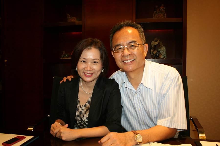 圖說:鈺齊-KY董事長林文智(右)及鈺齊總經理廖芳祝(左),8日分別出任新任集團策略長及執行長。(圖/劉朱松)