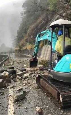 大雪山林道坍方落石排除 森林遊樂區重新開園
