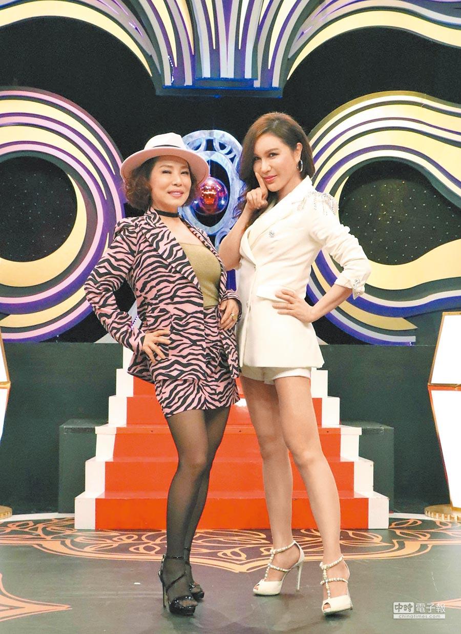利菁(右)主持的《麻辣天后傳》昨改版記者會,葉璦菱驚喜現身。